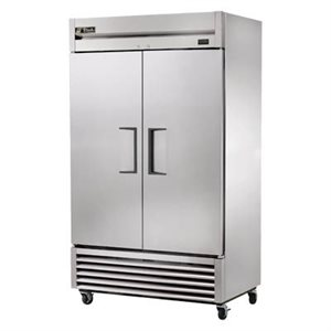 TRUE 2 DOOR S / S REFRIGERATOR